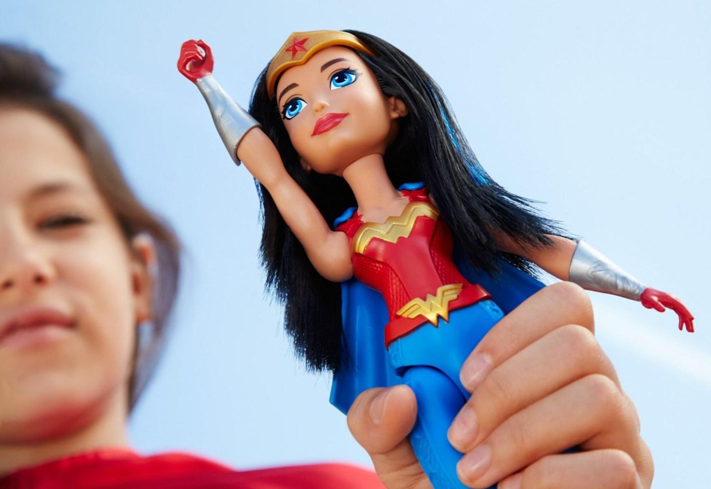 Лучшие игрушки супергерои